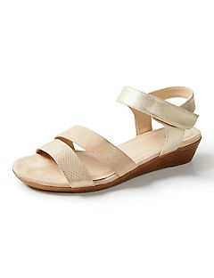 Good Soles Mixed Media Wedge Sandal